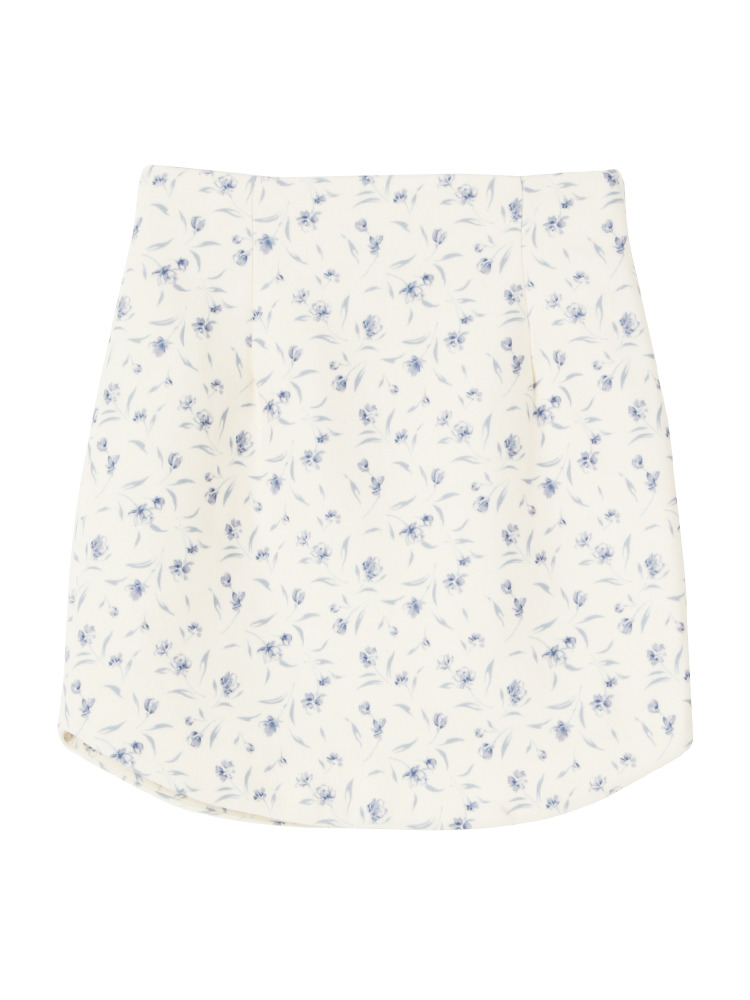 紗栄子さんのスカートはこちら