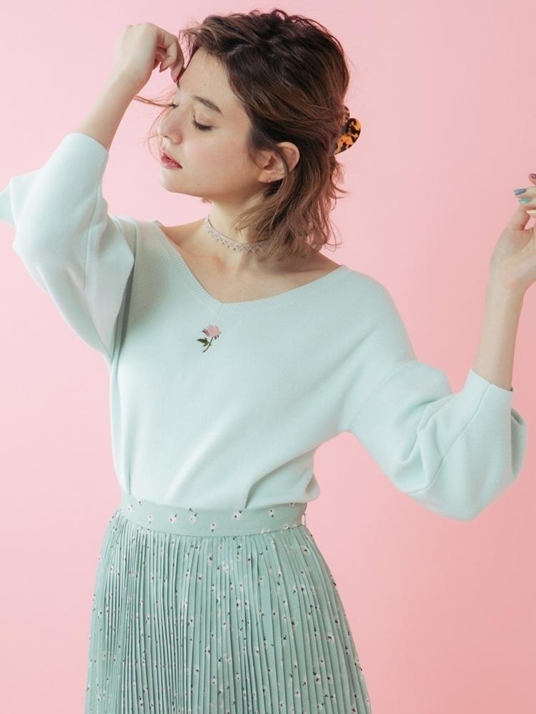 【sw】ヴィンテージローズ刺繍ニットプルオーバー