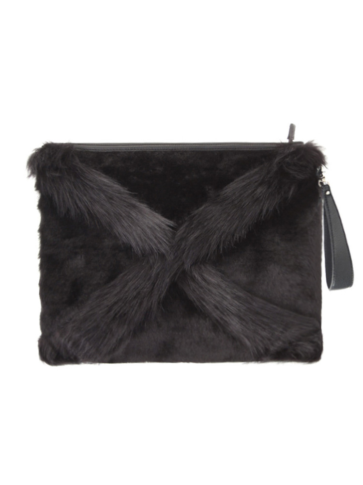 CROSS FUR CLUTCH BAG(ブラック-F)