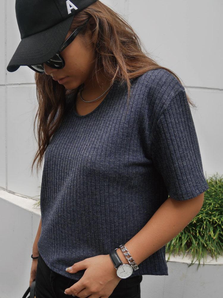 リブUネックTシャツ